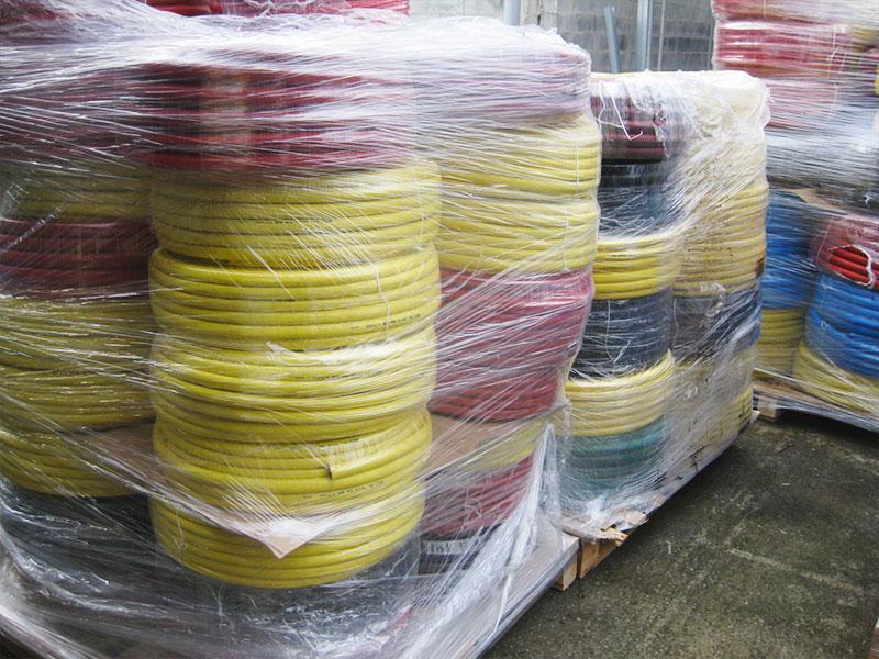 stock de tuyaux d'arrosage